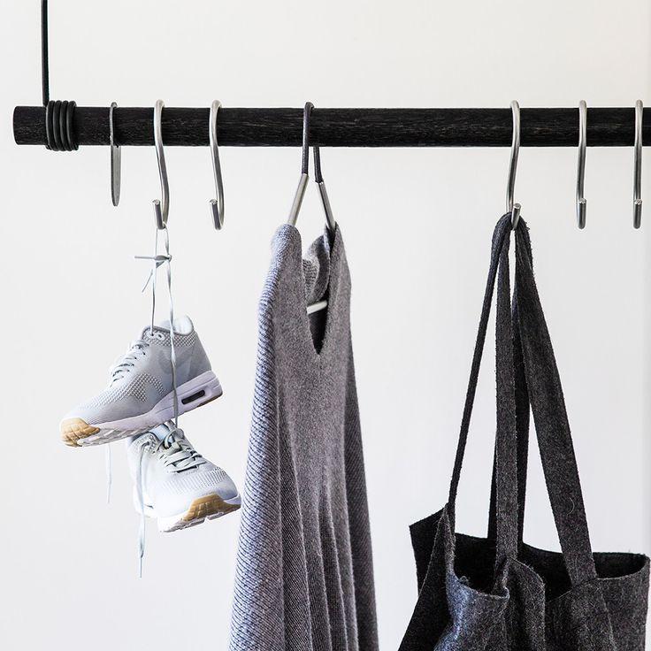 Swing Klädhängare 80cm, Svart/Svart Läder 1795 kr. - RoyalDesign.se