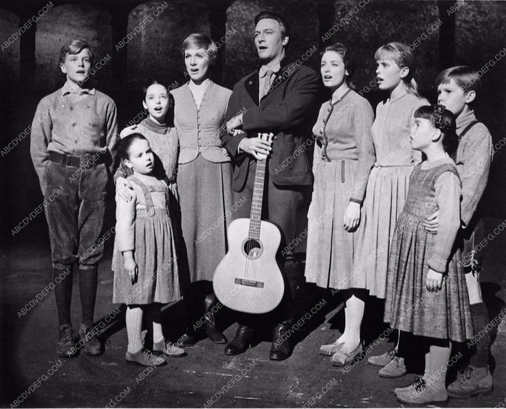 photo Julie Andrews Christopher Plummer Sound of Music cast 898-08