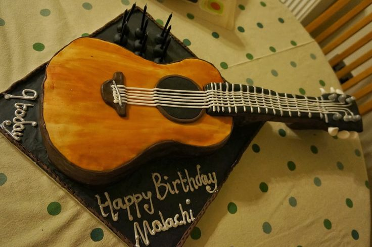 Acoustic Guitar Cake Images : 17 Best ideas about Guitar Birthday Cakes on Pinterest ...