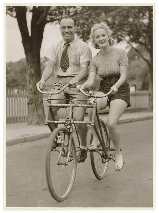 Tandem bike side to side