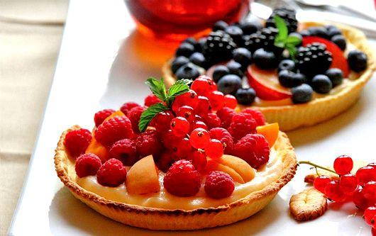 Как приготовить мини-пироги с кремом Шантильи http://www.kakprosto.ru/kak-934557-kak-prigotovit-mini-pirogi-s-kremom-shantili