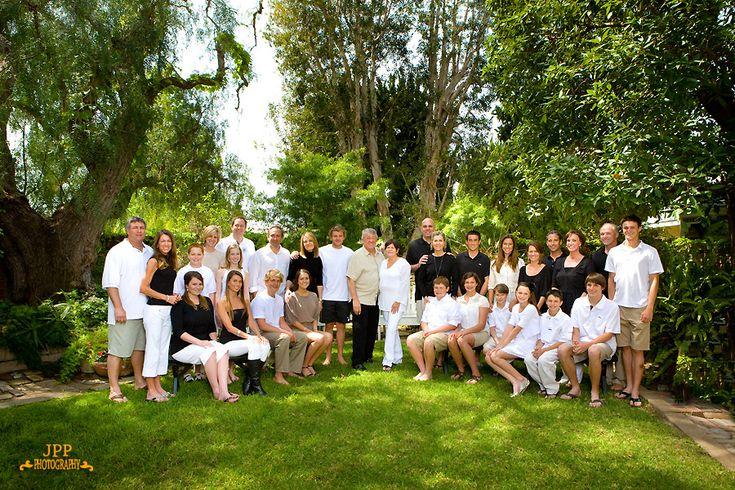 large family photo ideas | Costa Mesa Family Portrait Photographer | Orange County Children ...