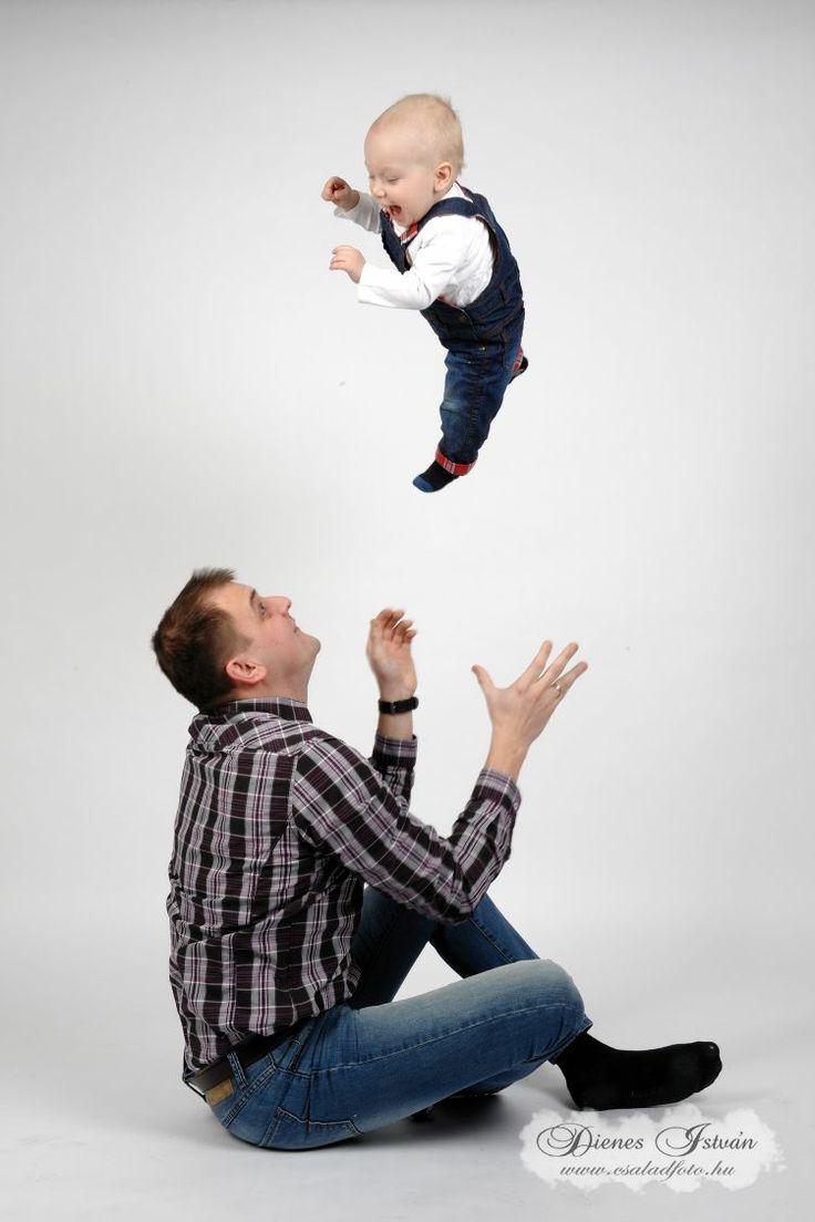 Gyermekfotózás műteremben | Csaladfoto.hu - Dienes István http://csaladfoto.hu/gyermekfotozas/