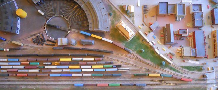 model train overhead 3.jpg