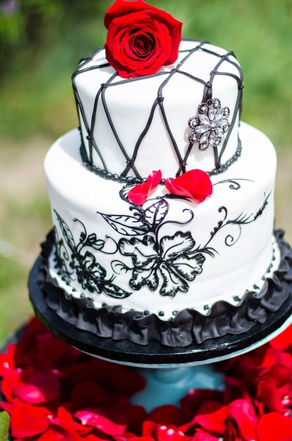 Gothic Halloween wedding with a black and red palette  |  The Frosted Petticoat