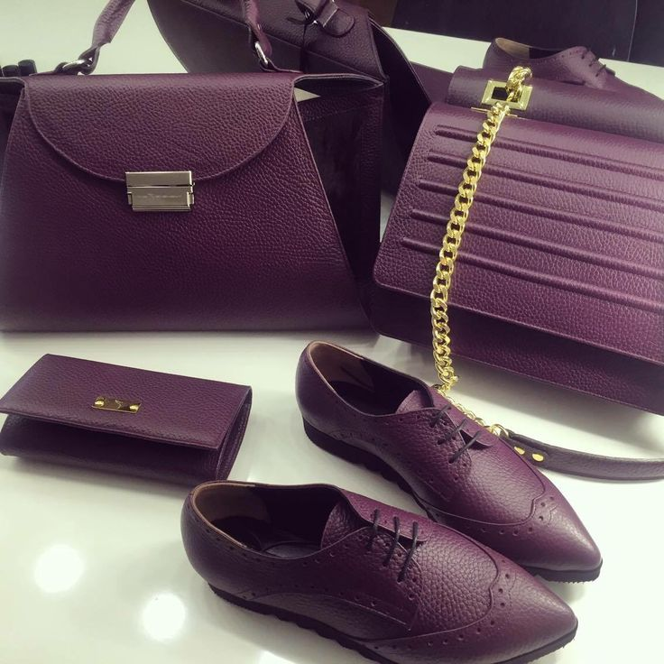 #the5thelementshoes #rosettishowroom #leather #plum #springsummer #SS2016 #bags #flatforms