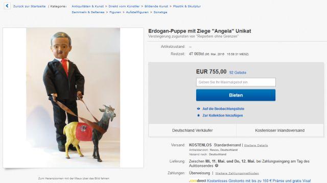 Erdogan-Puppe mit Ziege. Ich würde ja mitbieten, aber 700 Euro?