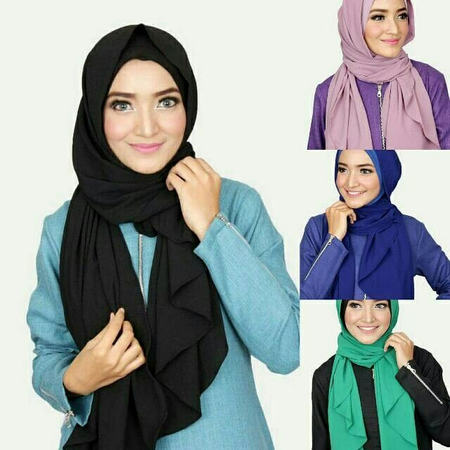 Dweena Instant Shawl  Material : Shawl made from High Quality Diamond Georgette, inner made from Jersey Korea Design : Semi Instant with Inner attached Other colors available!   Interested ladiez, pls do PM for enquiries or order. Tqvm.   #hijab #muslimah #tudung #shawl #singaporehijab