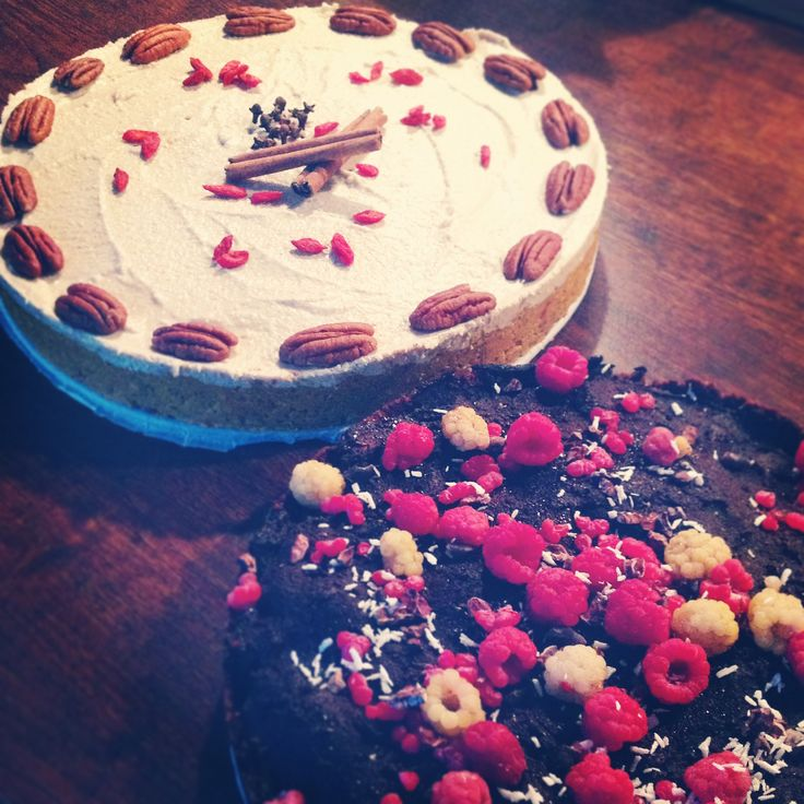 Homemade raw cakes; carrot-pecan & chokolate-raspberry