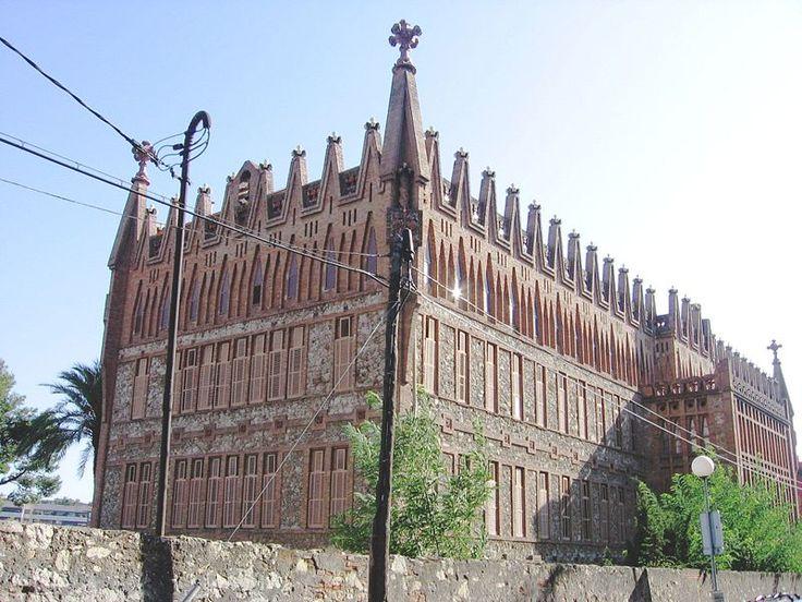 Colegio de las Teresianas, de Antoni Gaudí (Barcelona)