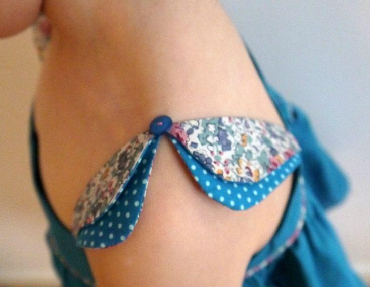 Joli ensemble jupe trapeze et petit tip avec joli detail de manche