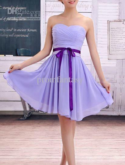 Robe de demoiselle d'honneur lavande et son ruban violet : so chic!