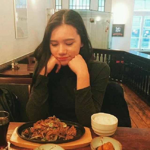 💕 。 。 。 #food#meat#bulgogi#dinner#germany#korean#모델#독일#불고기#맛있다#사진#메이크업#韓国#友達#日本#ドイツ#ドイツ人#プルコギ#食事#夕食#おいしい#料理#韓国料理#肉#ハーフ#オルチャン#モデル#ファッション#メイク#日本人