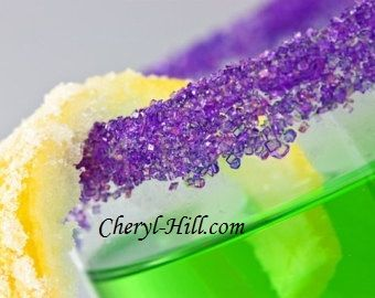 Edible Glitter - Use for Adult drinks...check out how fun and simple it is to make it yourself!!