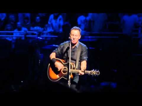 ▶ Bruce Springsteen - The Weight (Prudential Center, Newark, NJ, 2012-05-02) - Multicam, dubbed. - YouTube