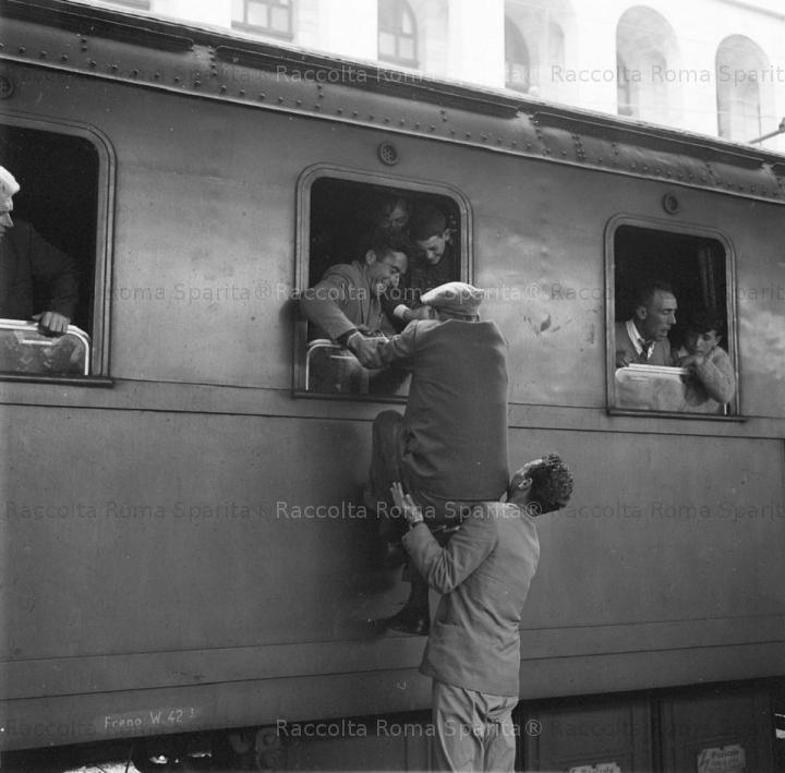 Italian Vintage Photographs ~ Roma - Stazione Termini 1960's