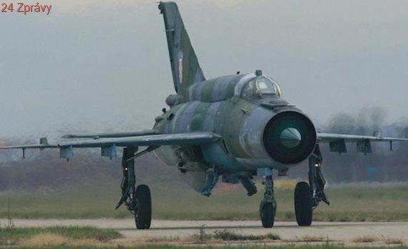 Na jihu Turecka našli pilota zřícené syrské stíhačky. Sestřelili ji islamisté?