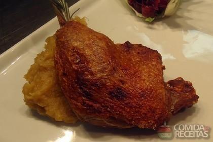 Receita de Confit de pato em receitas de aves, veja essa e outras receitas aqui!