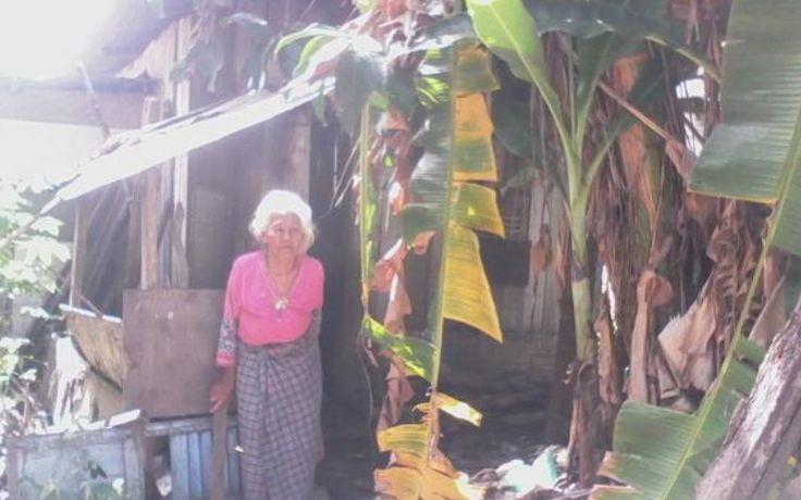 Ditelantarkan Anak-Anaknya, Inilah Nestapa Nenek Rubisah di Hari Tua - http://www.rancahpost.co.id/20160758674/ditelantarkan-anak-anaknya-inilah-nestapa-nenek-rubisah-di-hari-tua/