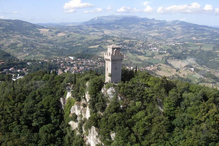 la Terza Torre, Montale, immersa nella natura