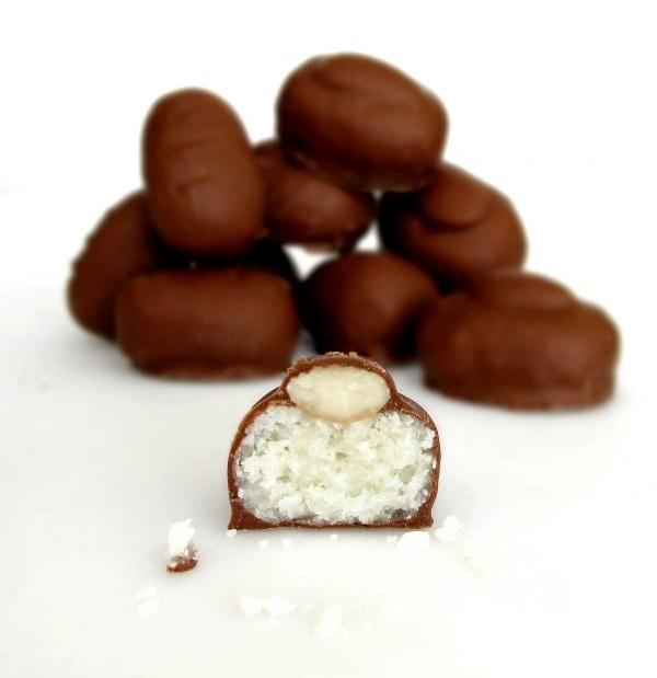 Desvendando o segredo do sucesso – bombons de coco com amêndoas