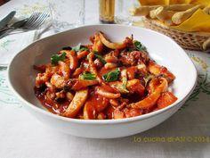 Le seppie alla veneziana con un piatto famoso delle città lagunare il cui condimento è fatto utilizzando anche il nero Ricetta pesce regionale La cucina di ASI