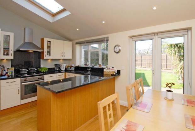4 bedroom semi-detached house for sale in Old Manor Drive, Whitton Borders, Middlesex, TW7 - Rightmove | Photos