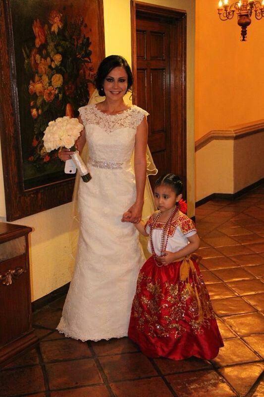 Mi boda con mis sobrina paje. con vestido de china poblana. BODA CHARRA