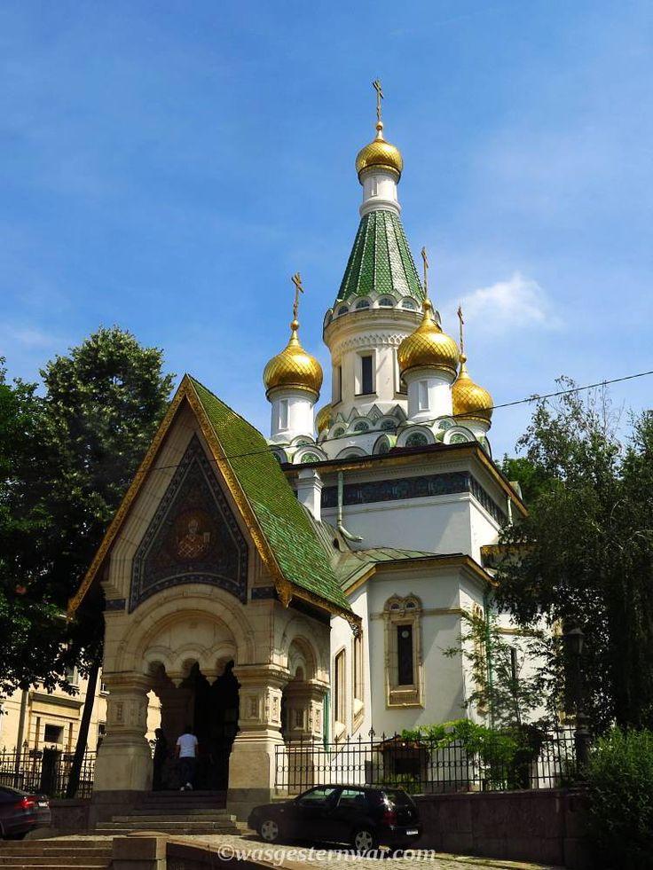 Sofia in einem Tag. Ein Reiseführer durch Bulgariens Hauptstadt. So entdeckt ihr alle Sehenswürdigkeiten, wie hier die russisch-orthodoxe Kirche.