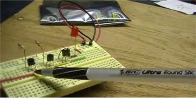 3-transistor voltage detector