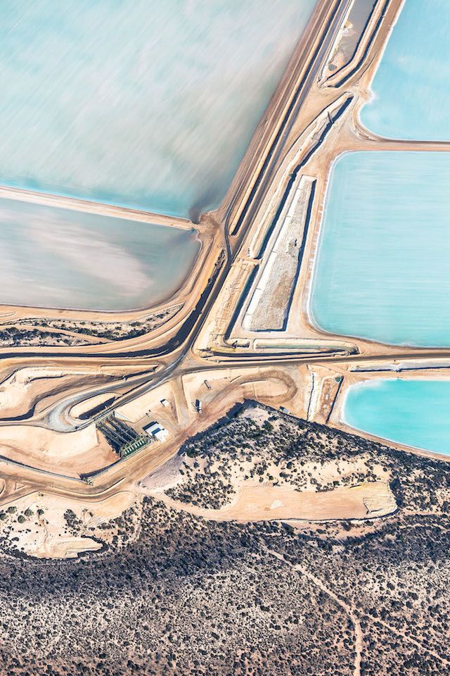 Simon Butterworth photographed this amazing view of the salt flats in Northern #Australia.