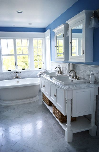 Blue And White Beach Cottage Bathroom Decorating Ideas