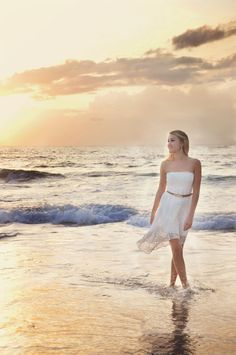 outdoor beach senior picture ideas | Beach Senior Photography