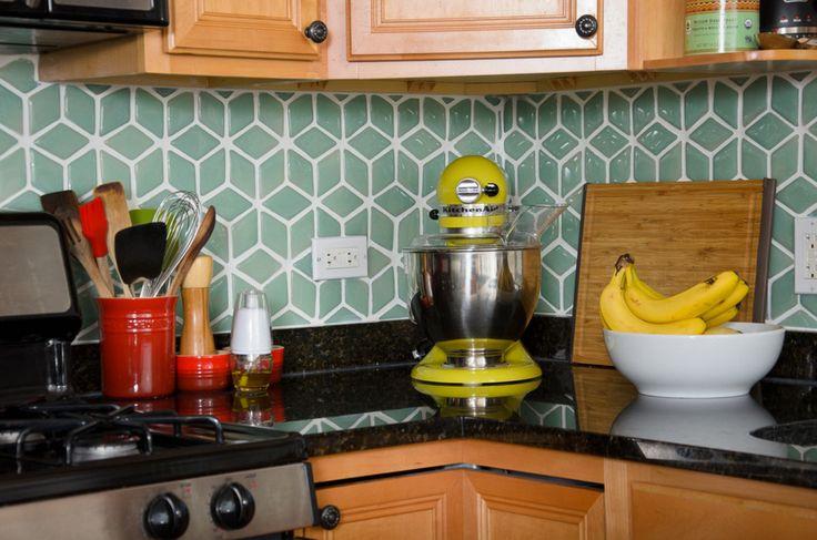 cozinha-com-pastilhas-losango-azul-Best Home Renovations-James Jordan Photography