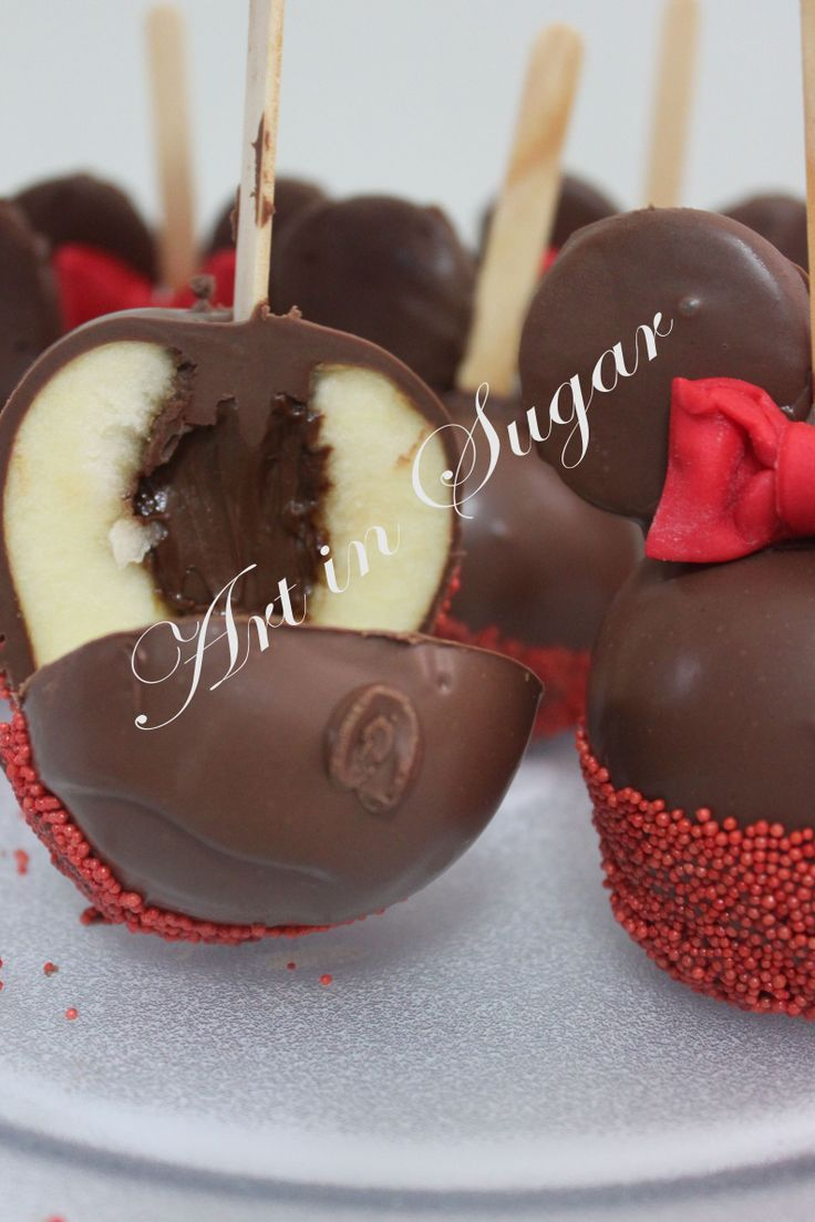 maçã do amor recheada com Nutella