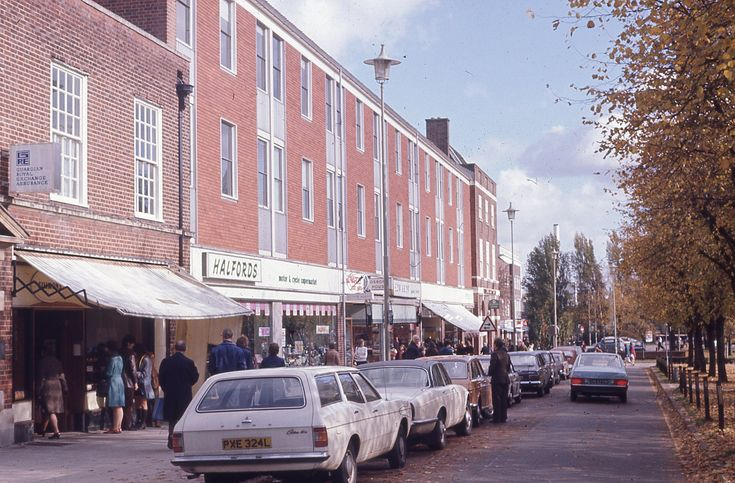 https://flic.kr/p/fgN8g8 | Howards Gate, Welwyn Garden City, Hertfordshire
