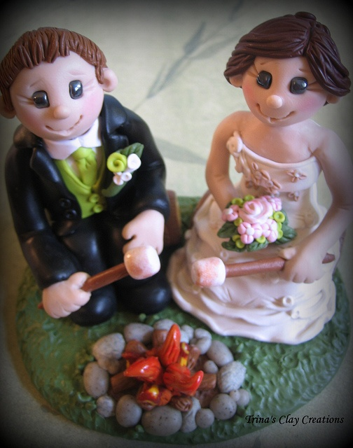 Bride and Groom by the Campfire, via Flickr.Trina Prenzi, Sculpting Figurines, Edible Character, Daughters Polymer, Clay Artworks, Trina Clay, Clay Creations, Polymer Clay, Outdoor Design