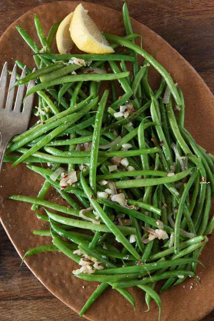 Spicy Garlic Green Beans by whatsgabycooking: You'll want to snack on these like candy - they are that delicious! #Green_Beans #Garlic #Healthy