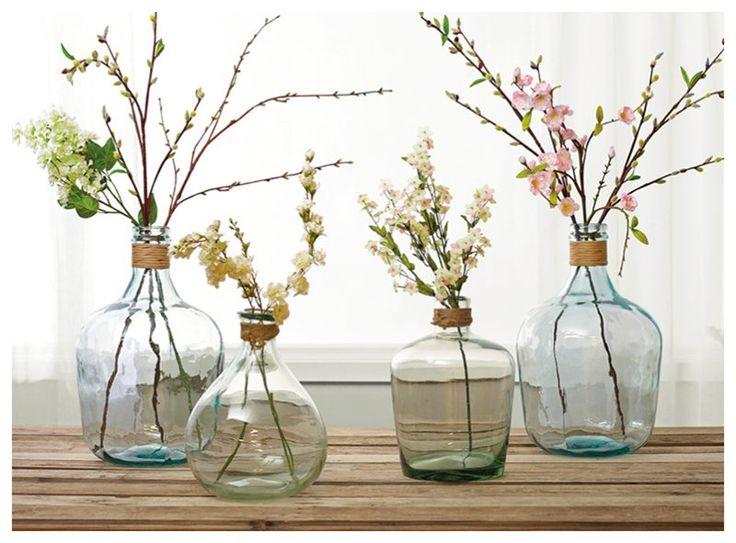 Vazen goedkoop Action; echter wit glas geen probleem. Kijk bij Huisje DIY hoe met food-colouring en epsom salt er SPANISH GLASS van kan worden gemaakt