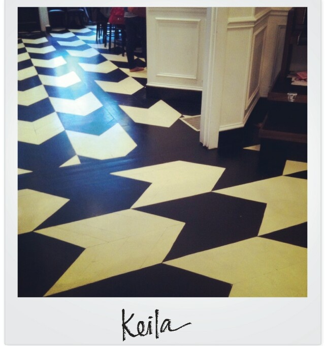 FloorsInspiration Floors, Interiors Floors Pattern, Pattern Floors, Black White, Painting Floors, Decor Decor, Mudroom Floors, Entry Hall, Floors Wall