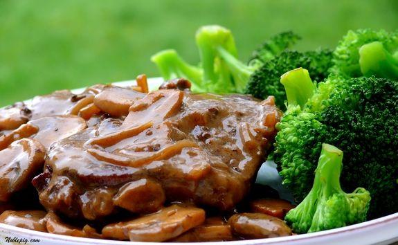 Petit Steaks with Mushroom-Sherry Sauce