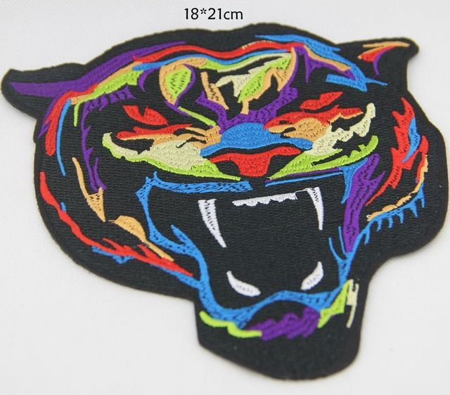 P086 2 stks kleurrijke tiger iron patches voor kleding kledingstuk applique borduurwerk diy naaien accessoires party decoratie ambachten