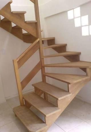 「escadas de madeira simples」の画像検索結果