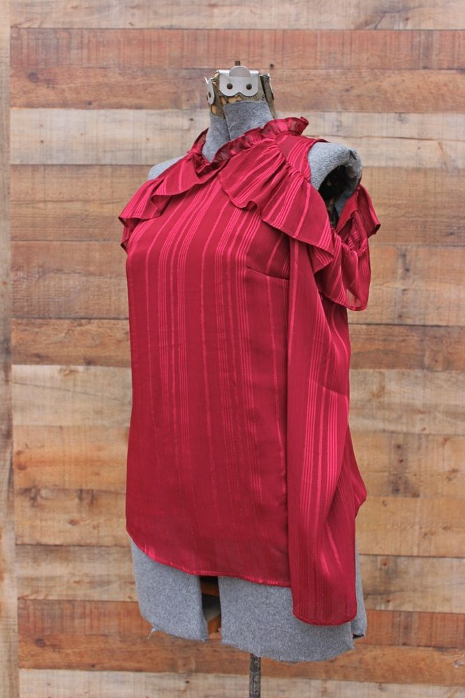 06825568bc955 WAYF Red Ruffled Top Long Sleeves Cold Shoulder XS NWT Ruffled Stripe   WAYFClothing  Blouse