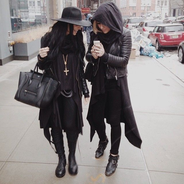 I can totally see this as like Pansy and Daphne out shopping in the muggle world.