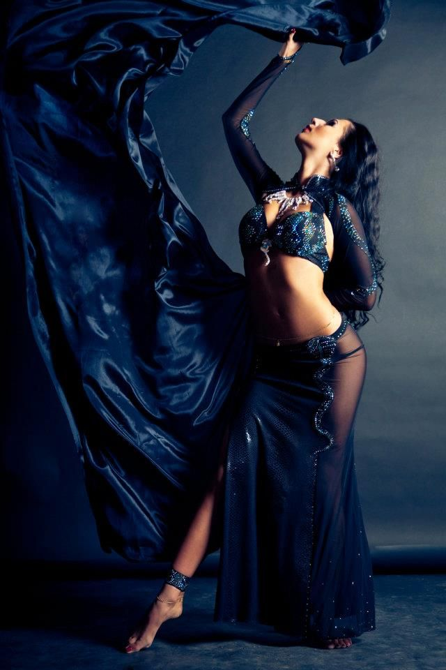That's hot!  blue bellydance costume...