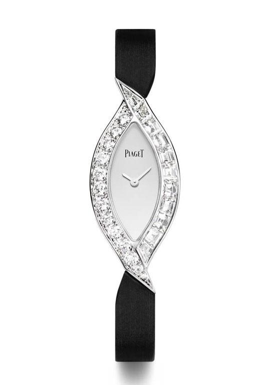 Piaget Montre Limelight Couture Précieuse http://www.vogue.fr/joaillerie/shopping/diaporama/montres-ultra-fines-cartier-chanel-bulgari-chaumet-tiffany/10963/image/652458#piaget-montre-limelight-couture-precieuse