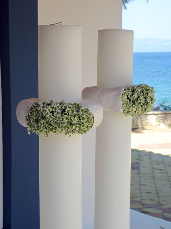 See more http://bit.ly/lampades-gamouF%83%CE%BC%CE%BF-kokkinos-flowers/.