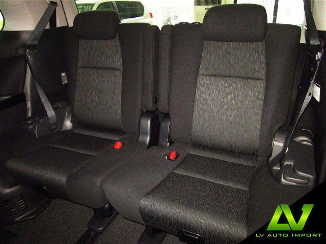 Toyota Alphard 2.4 AT Exterior : Pearl White Interior  : Dark Grey Jacquard fabric