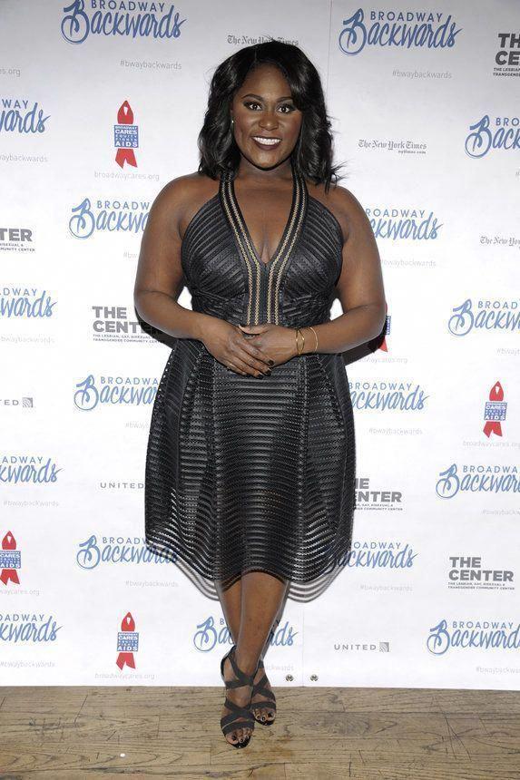 Women S Fashion Shoulder Bags Womensfashionringssize9 Womensfashioncurvyinspiration In 2020 Black Women Fashion Curvy Fashion Danielle Brooks